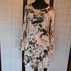 MSK Floral Bell Sleeves Dress Size M